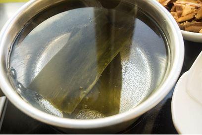 Learn Japanese Through Cooking - Dashi 4